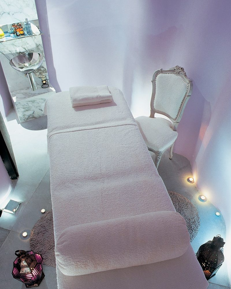 san George Lycabetus massage room